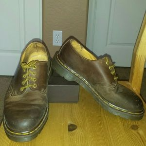 English Doc Martens low lace, Size 8, Euro-41